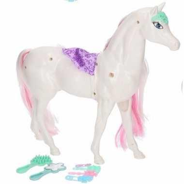 Poppen paard wit/roze met 6 delige verzorgingsset
